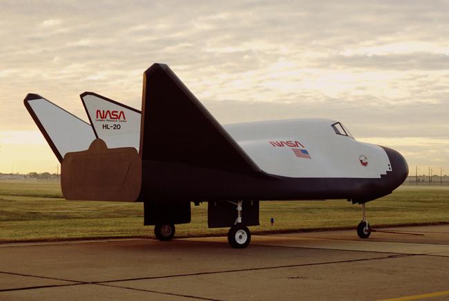 Начались летные испытания американского частного космического самолета