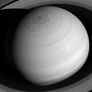 Снимок был сделан с позиции 20 градусов выше плоскости кольца Сатурна на расстоянии примерно 1,4 млн км от планеты.