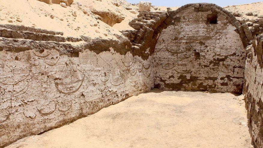 Кто нарисовал лодки на стенах 3.800 лет назад?